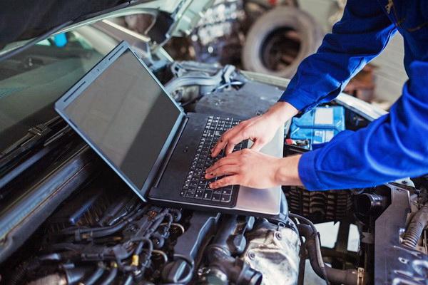 ноутбук на двигателе