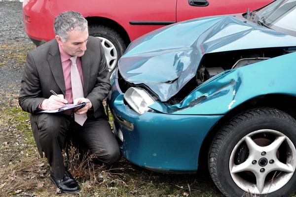 Осмотр авто после аварии