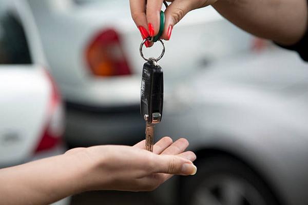 Как законно продать машину без хозяина – чем опасны «серые» схемы?