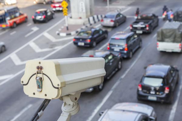 Камера над автомобилями